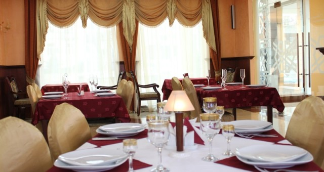 35_Restaurant1_big